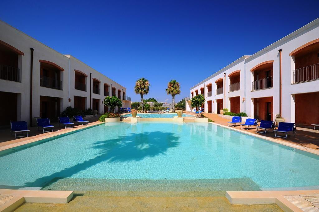 DELFINO-BEACH-HOTEL-4*-