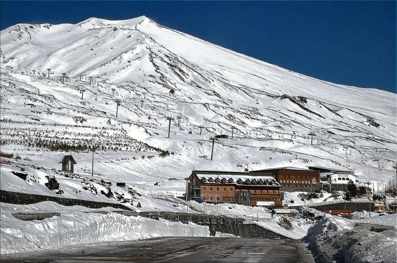 WEEK-END-TRA-I-DUE-VERSANTI-DELL'ETNA